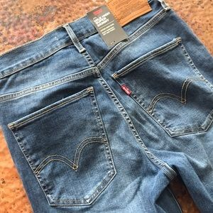 {Levi's} Mike-High Super Skinny Jeans. Size 28.